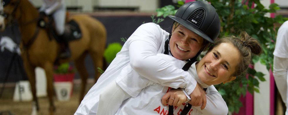 VM-reserverna Stephanie Holmén och Irma Karlsson kommer med sina unghästar till Champion of the Youngsters. Foto: Haide Westring