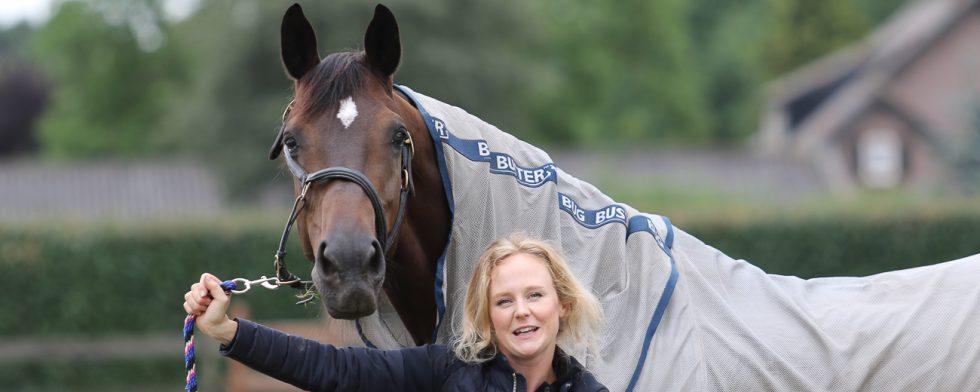 Juliette Ramel med sin Buriel K.H Foto: Kim C Lundin