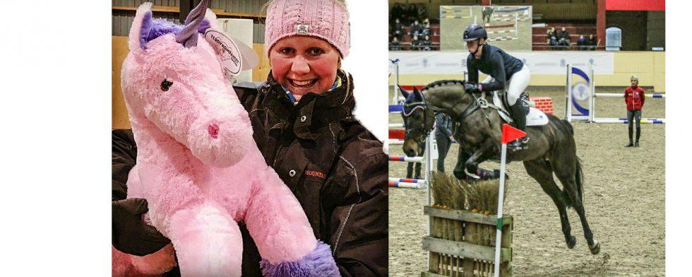 Hanna Berg är lätt att hålla koll på under torsdag kväll, till höger på Flyinge med sin första häst. Foto: Privat / Kim C Lundin