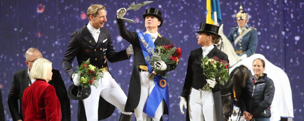 Prispallen i Saab Top 10 Dressage med Isabell Werth, Patrik Kittel och Dorothee Schneider. Foto: Fredrik Jonsving
