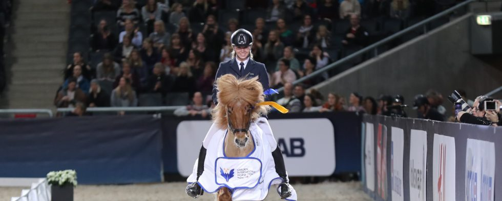 Lycklig vinnare i Katie Sundin Brumpton. Foto: Fredrik Jonsving