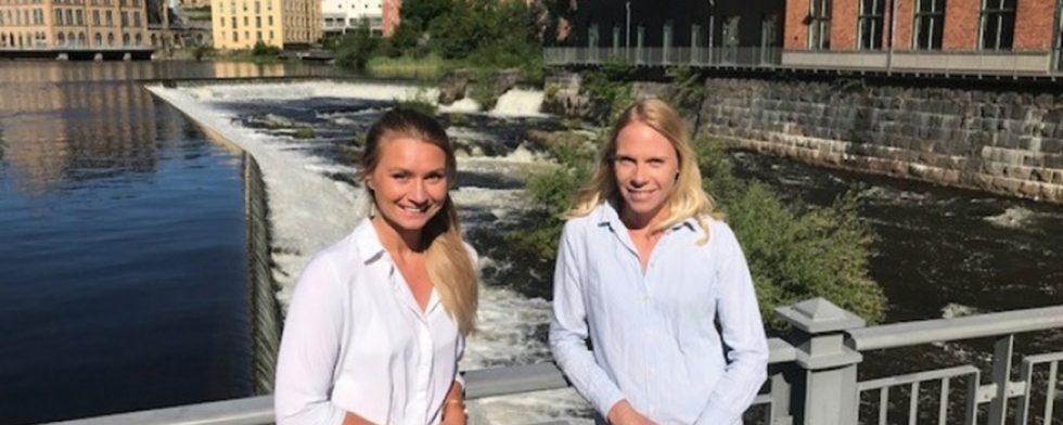 """Sandra Pantzare och Elin Wollert är studenter från Civilingenjörsprogrammet Elektronikdesign, på Campus Norrköping. De har utvecklat systemet genom sitt examensarbete """"Wireless horse sensor system""""."""