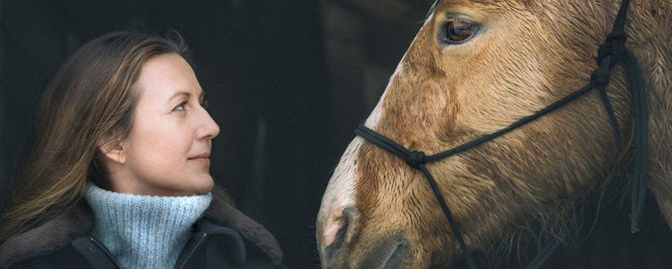 Sanna Lundell i ny tv-serie om hästar i SVT. Foto Ulrika Malm