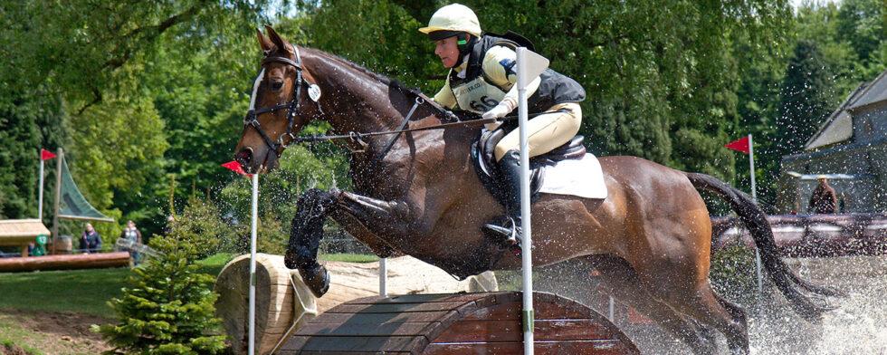 Lucinda Green vid Saracen Horse Feeds Houghton International Horse Trials 2013. Henry Bucklow/Lazy Photography