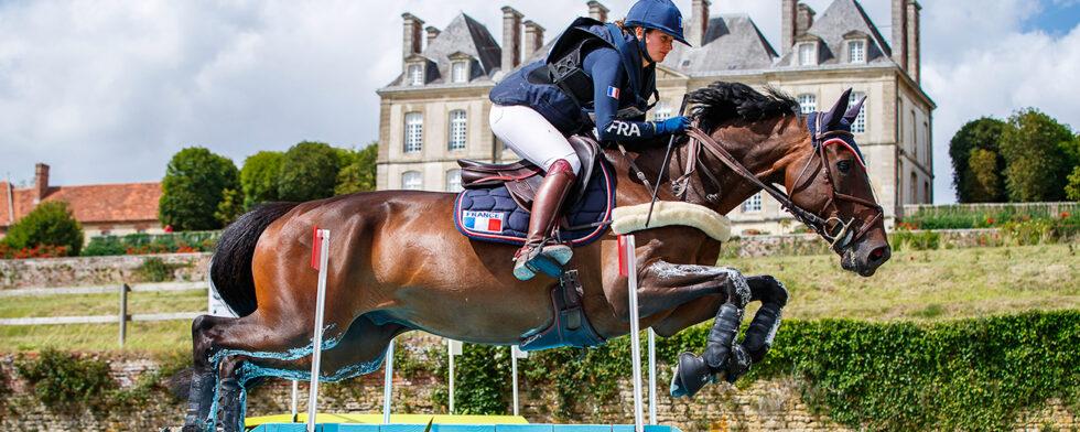 Thaïs Meheust och Quamilha vid segern med Frankrikes Nations Cuplag i Haras du Pin i början av augusti i år. Foto: FEI/Libby-Law